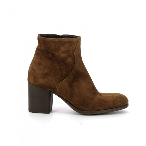 boots 1704