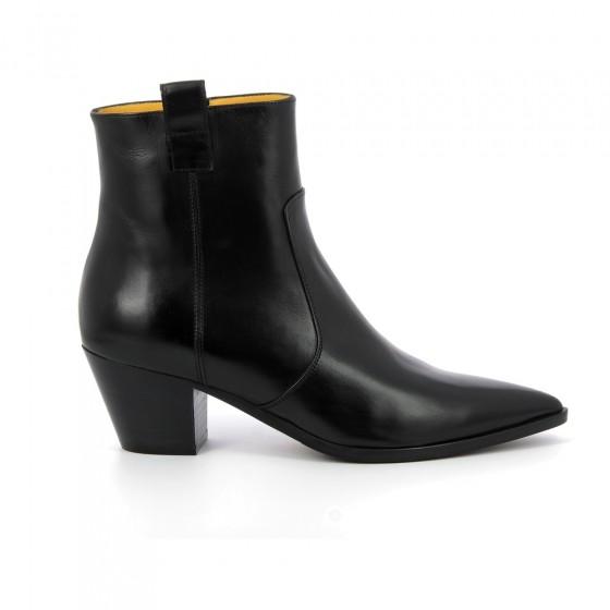 boots carin