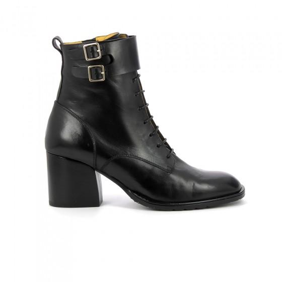 boots lacet fabia